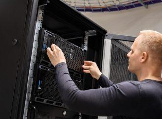 Aufbau Serverschrank – Auf was Sie beim Kauf unbedingt achten sollten!